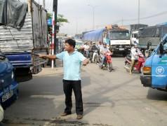 Những 'cảnh sát giao thông bất đắc dĩ' ở Sài Gòn