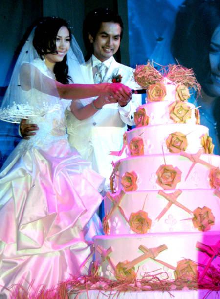 Những đám cưới cực 'đình đám' của siêu mẫu Việt - Tin180.com (Ảnh 2)