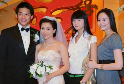 Những đám cưới cực 'đình đám' của siêu mẫu Việt - Tin180.com (Ảnh 8)