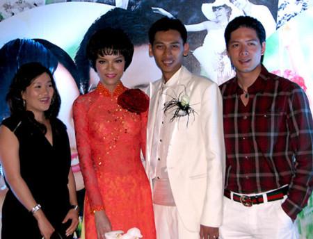 Những đám cưới cực 'đình đám' của siêu mẫu Việt - Tin180.com (Ảnh 10)