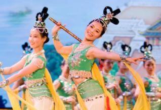 Màn vũ đạo 'Điệu sáo thần tiên' của Đoàn Nghệ thuật Thần Vận. (Ảnh: Secret China)
