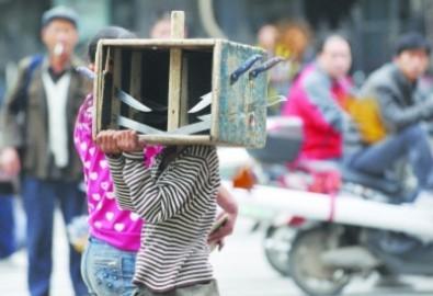 Độc chiêu xin ăn gây sốc tại Trung Quốc
