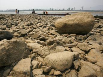 Đồng bằng sông Cửu Long thiếu nước vì đập thủy điện Trung Quốc trên thượng nguồn