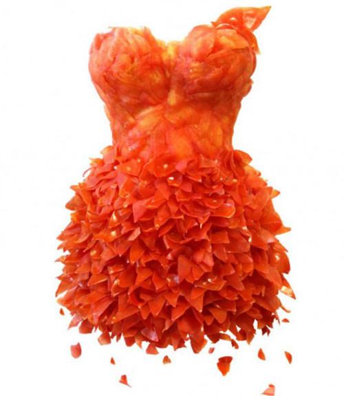 Thiết kế váy từ rau củ quả