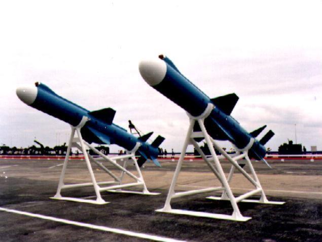 Đài Loan công khai chế tạo tên lửa hành trình