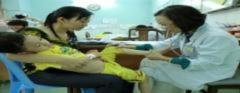 Bé gái sốt xuất huyết thể não hiếm gặp