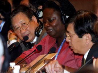 Các nhà tài trợ cảnh báo Việt Nam về các nguy cơ đe dọa kinh tế