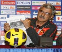 Calisto cãi nhau với phóng viên website AFF Cup