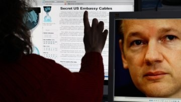 Chính phủ Mỹ cảnh báo sinh viên nên tránh xa Wikileaks