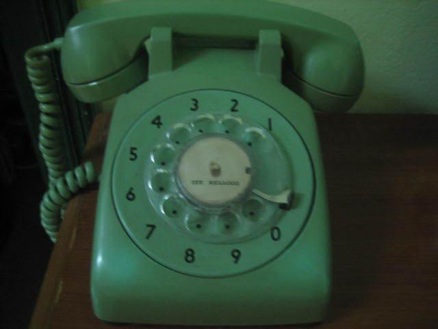 Cuộc điện thoại lúc nửa đêm