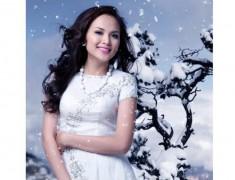 Diễm Hương dịu dàng giữa tuyết trắng
