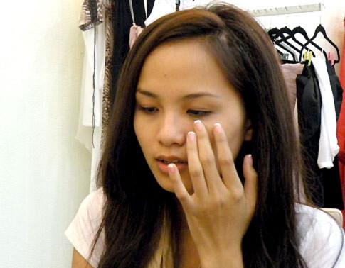 HHTG Người Việt 2010 bật khóc khi bị chê là người đẹp không thân thiện. Ảnh: Thoại Hà