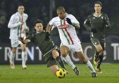 Ghi bàn phút bù giờ, Juventus vượt mặt Lazio