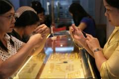 Giá vàng tăng hơn 20.000 đồng/chỉ, USD lên 21.250 VND