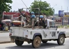 Hàng ngàn dân Bờ Biển Ngà bỏ chạy vì bạo lực chính trị