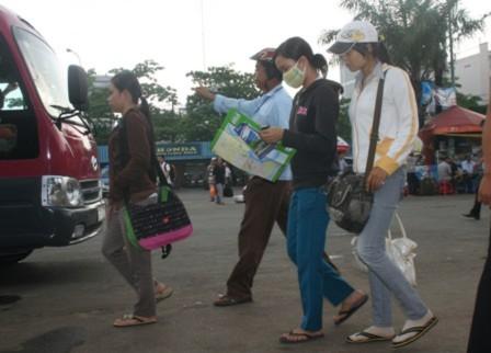 Hỗ trợ 2.700 vé xe cho sinh viên nghèo về quê ăn Tết