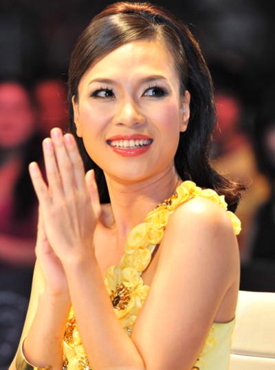 Các fan của Mỹ Tâm cũng có mặt trong mỗi đêm SMĐH diễn ra để cổ vũ cô.