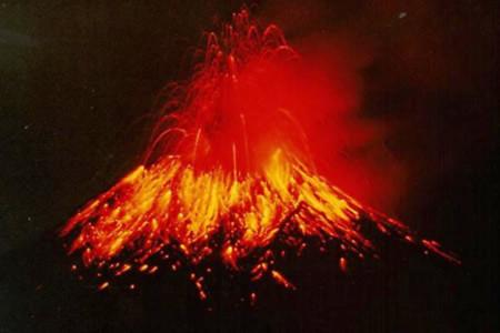 Năm 2012 tất cả núi lửa đồng loạt thức giấc?