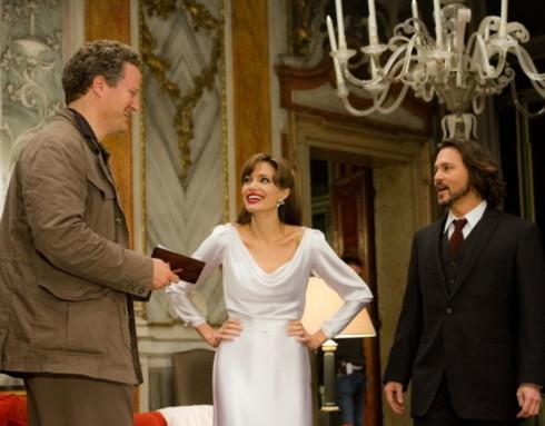 Đạo diễn Florian Henckel von Donnersmarck và hai diễn viên Angelina Jolie - Johnny Depp trên trường quay. Ảnh: Sony.