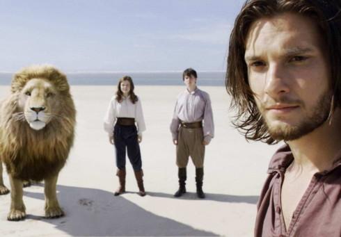 'Narnia 3' vượt mặt Angelina Jolie và Johnny Depp