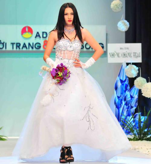 Mỹ nhân Việt đồng loạt làm cô dâu