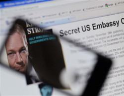Wikileaks bị đóng băng tài khoản ở một ngân hàng Thụy Sĩ. Ảnh: AFP.