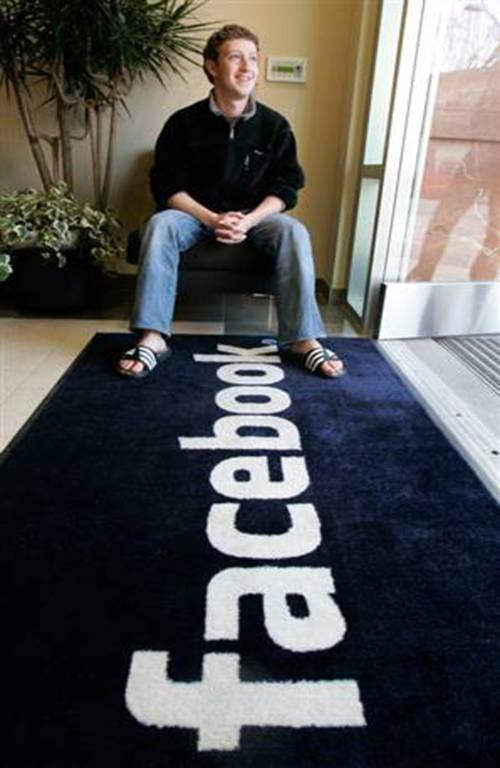 Mark Zuckerberg bắt đầu tự học lập trình máy tính khi vẫn còn là một cậu bé học sinh cấp hai