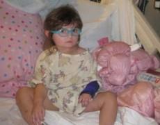 Phẫu thuật cắt nửa não của bé 2 tuổi