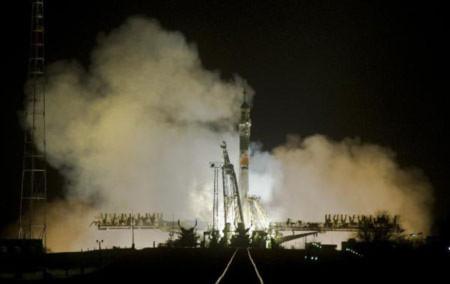 Tàu vũ trụ Nga bị mất liên lạc trong nhiều giờ
