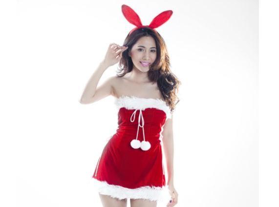 Thủy Tiên trong trang phục Noel