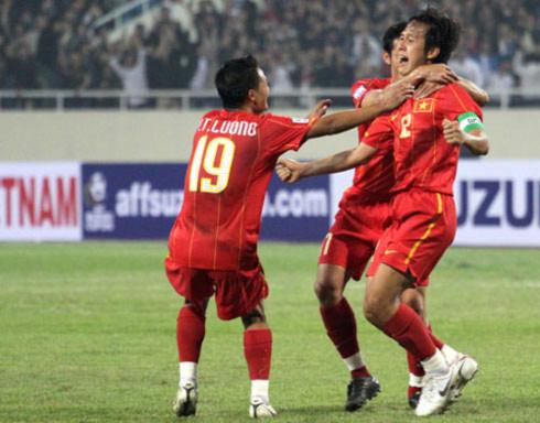 Việt Nam thắng tưng bừng 7-1 trận ra quân AFF Cup