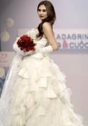 Võ Hoàng Yến xoay cùng vũ điệu áo cưới