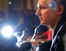 Wikileaks vật lộn để tồn tại trên mạng
