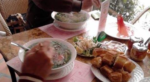 Đại gia Hà Nội chi gần chục triệu ăn sáng