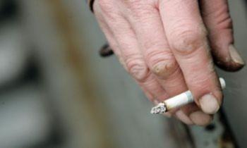 Bệnh cao huyết áp có liên quan tới cha mẹ hút thuốc