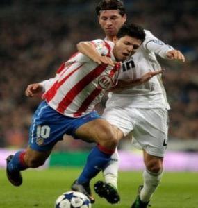 Chịu mở hầu bao, Chelsea vẫn không mua được Aguero
