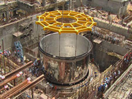 Một lò phản ứng tái sinh nhanh đang trong quá trình xây dựng tại Ấn Độ. Trung Quốc mới có lò phản ứng tái sinh nhanh đầu tiên vào năm ngoái. Ảnh: topnews.in.