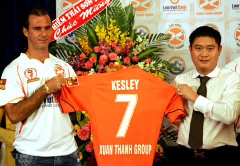 Ngôi sao nhập tịch Kesley ra mắt Sài Gòn Xuân Thành. Ảnh: An Nhơn.