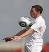 Em trai Rooney trở thành đồng đội của Thierry Henry