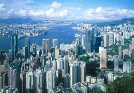 Giá nhà ở Hong Kong đắt hơn London – thành phố có giá nhà cao thứ hai thế giới – tới 55%. Ảnh: Goway