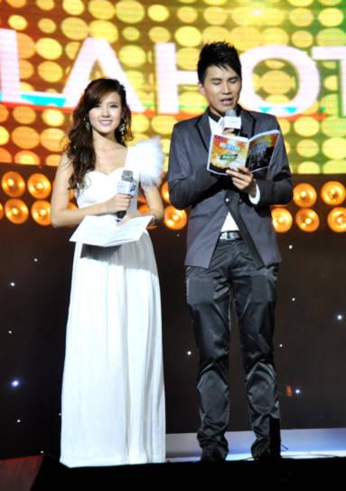 Midu và Hoài Nam 2 hot Vteen năm 2007 góp mặt với vai trò là MC.