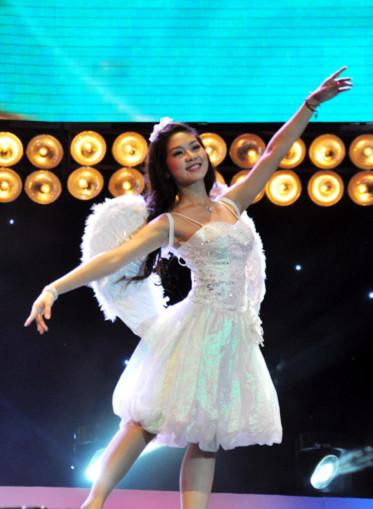 Phần thể hiện tài năng của Đinh Hoài Thu - Hot vteen năm 2009 đến từ Hà Nội.