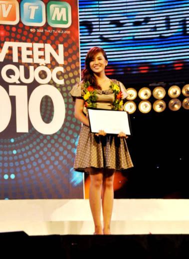 Lê Phương Thảo đến từ ĐH Saigon Tech đạt giải Hot Vteen phong cách.