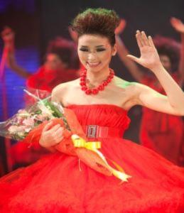 Huyền Trang đoạt giải VN's Next Top Model