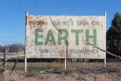 """Địa danh """"Trái Đất"""" ở trên trái đất"""
