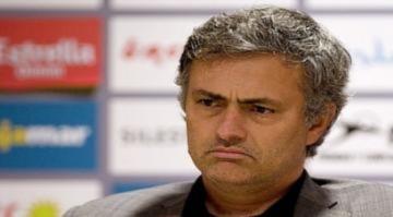 Mourinho không loại trừ khả năng ra đi vào cuối mùa