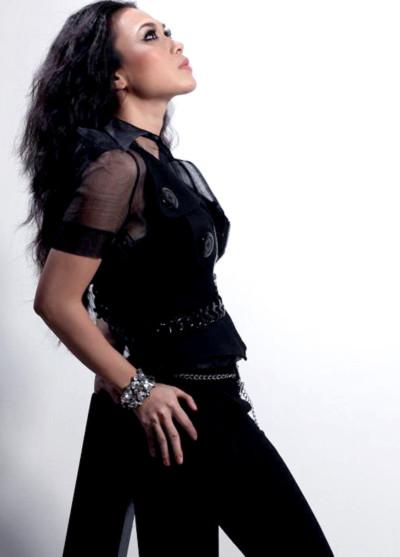 Các ca khúc này được cô thể hiện trong liveshow sắp tới của mình.