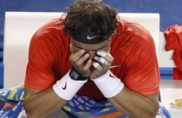Nadal bất ngờ bị loại