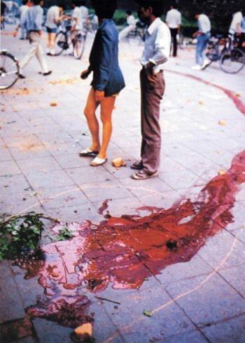 Ngày 04 tháng Sáu năm 1989: Đường phố Bắc Kinh nhuộm đầy các vết máu trong ngày 04 tháng Sáu (Đại Kỷ Nguyên).