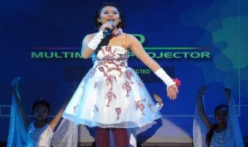 Nữ sinh báo chí đoạt giải đặc biệt cuộc thi hát tiếng Anh